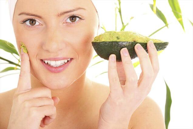 Maschera-avocado- photo web