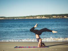 Yoga- Foto di Fezbot2000 su Unsplash